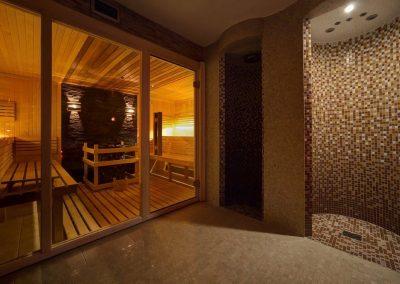 9. 62_Basen i sauny