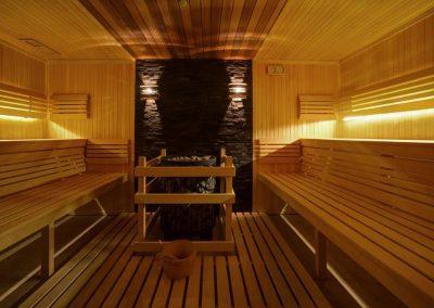 9. 63_Basen i sauny