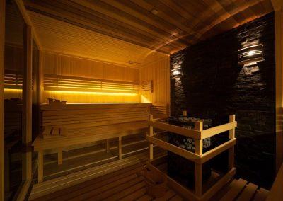 9. 67_Basen i sauny